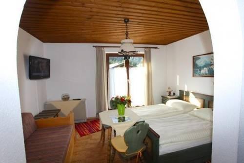 Гостиница «LANDHAUS LISA», Санкт-Мартин-ам-Тенненгебирге