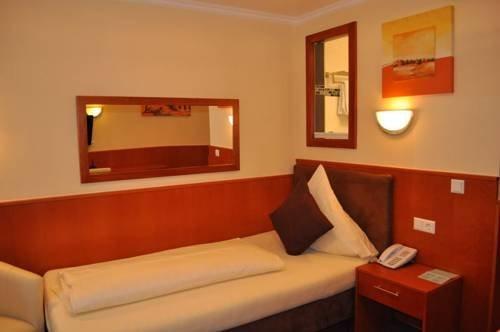 Schlosshotel Landstuhl - фото 3