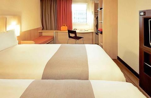ibis Hotel Koln Airport - фото 9