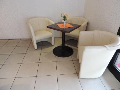Hotel Am Flughafen - фото 3
