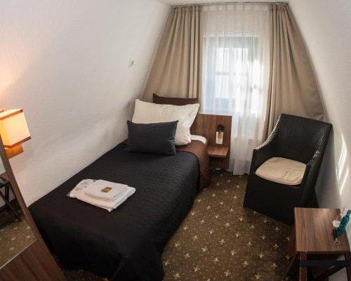Hotel Lowenbrau - фото 2