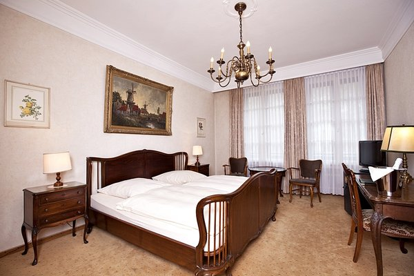 Antik Hotel Bristol - фото 13