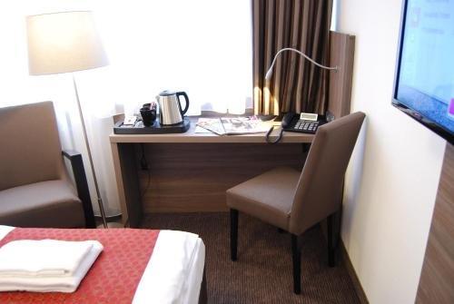 Dom Hotel Am Romerbrunnen - фото 10