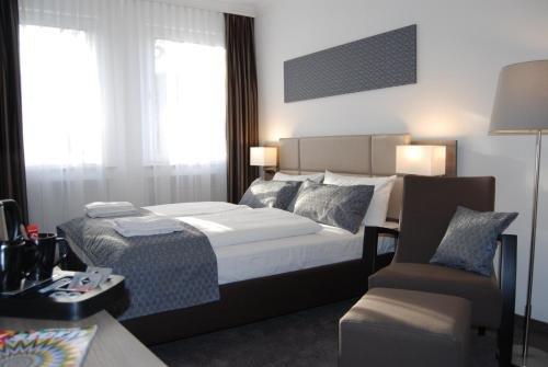 Dom Hotel Am Romerbrunnen - фото 2