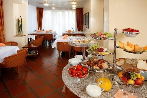 Hotel Regina -Garni Koln - фото 12