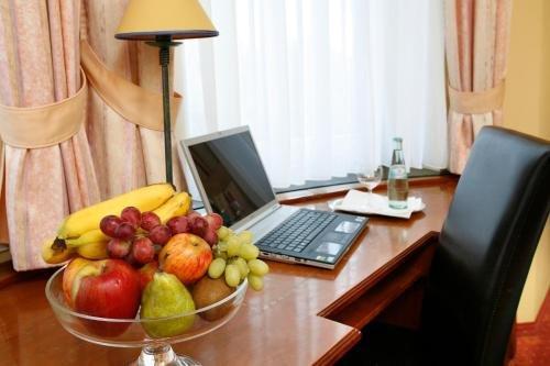 Hotel Regina -Garni Koln - фото 4