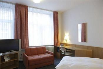 Hotel Berliner Hof - фото 1