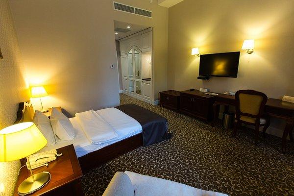 Отель Новомосковская - фото 1