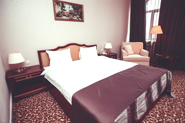Отель Новомосковская - фото 2