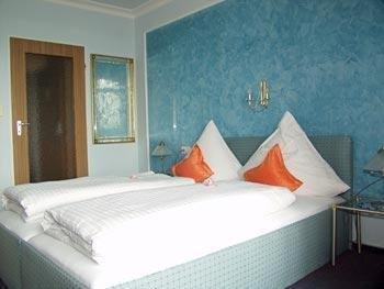 Bavaria Hotel - фото 2
