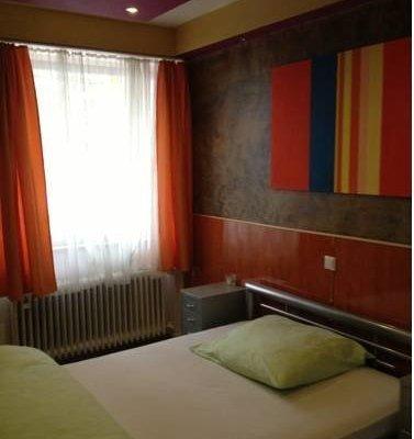 Hotel Pension Garni Gastpark - фото 1