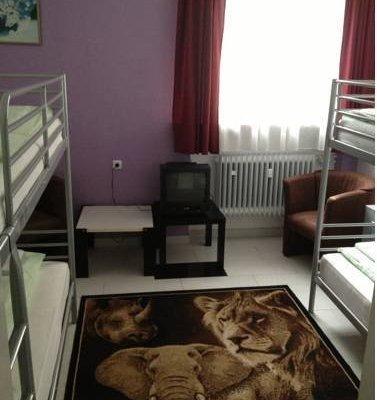 Hotel Pension Garni Gastpark - фото 2