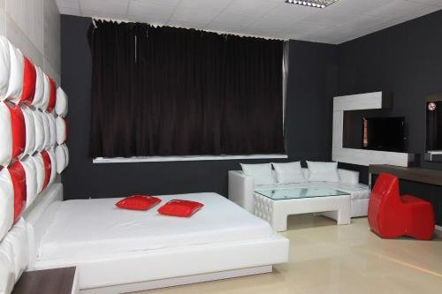 Bedroom Place Guest Rooms - фото 19
