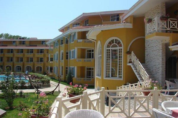 Blue Orange Beach Resort - фото 16