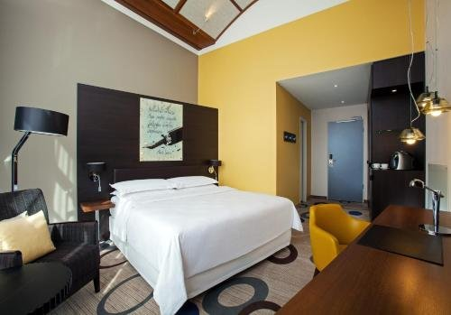 Sheraton Hannover Pelikan Hotel - фото 1