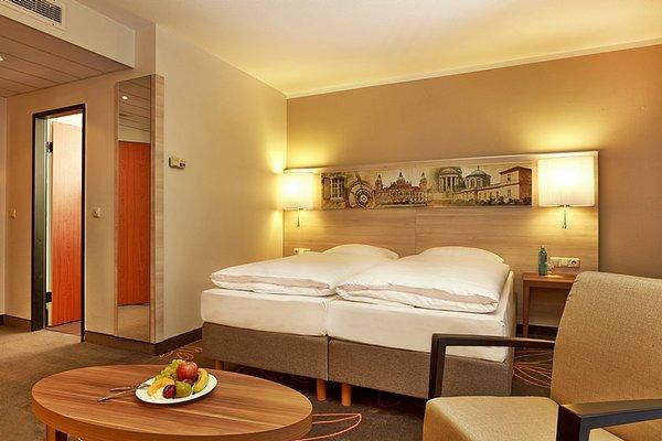 Ramada Hotel Europa - фото 3