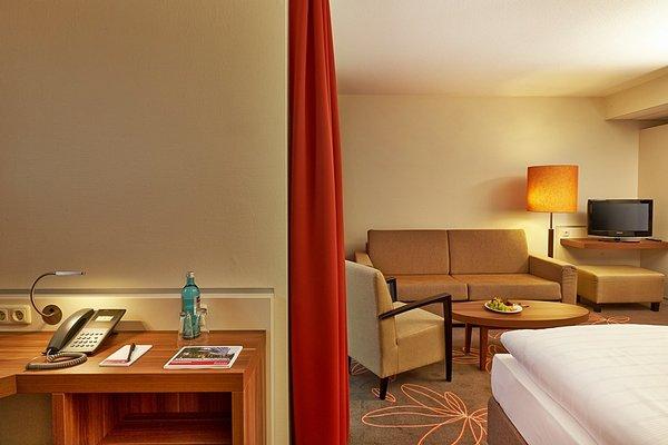 Ramada Hotel Europa - фото 4