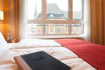 Steigenberger Hotel Hamburg - фото 1