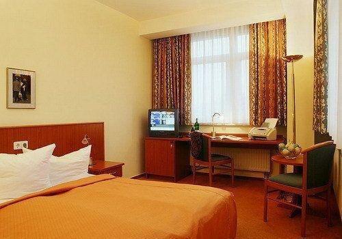 Novum Hotel Belmondo Hamburg Hbf - фото 1