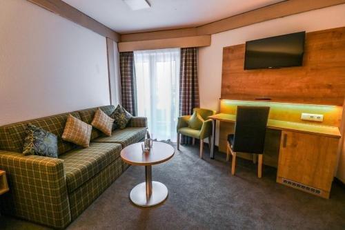 QH Hotel - фото 7
