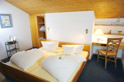 Hotel Langenfelder Hof - фото 4