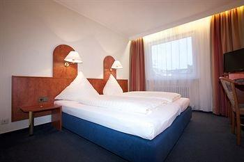 Falk Hotel - фото 1