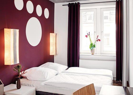 Five Elements Hostel Frankfurt - фото 2