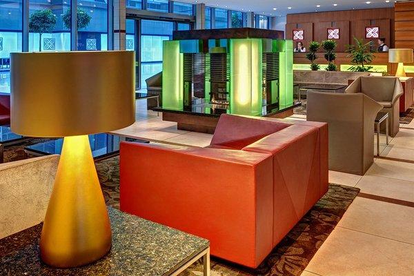 Hilton Garden Inn Frankfurt Airport - фото 13