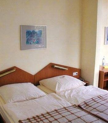 Hotel 'SeeSchloss am Kellersee' - фото 42