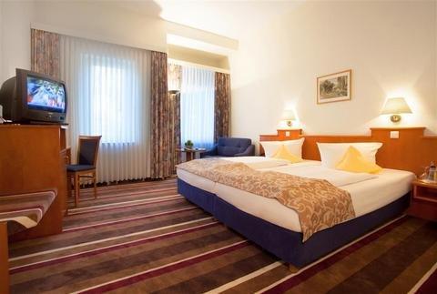 Best Western Ambassador Hotel - фото 1