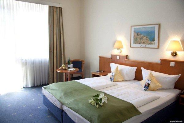 Best Western Ambassador Hotel - фото 2