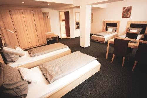 Hotel Am Vogelsanger Weg - фото 1
