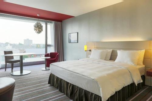 Radisson Blu Media Harbour Hotel, Dusseldorf - фото 1