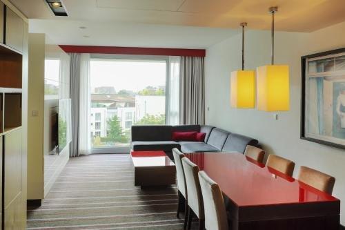 Radisson Blu Media Harbour Hotel, Dusseldorf - фото 16