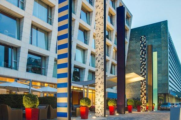 Radisson Blu Media Harbour Hotel, Dusseldorf - фото 23