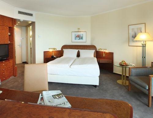 Lindner Congress Hotel Dusseldorf - фото 1