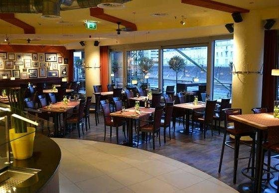 Courtyard by Marriott Duesseldorf Hafen - фото 9