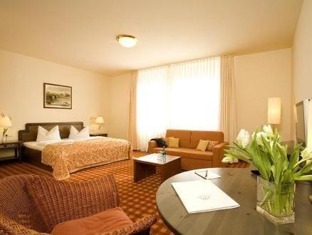 Gold Inn Hotel Prinz Eugen - фото 1