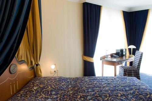 Moselstern Hotel Brixiade &Triton - фото 2
