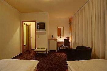 Rheinland Hotel - фото 1