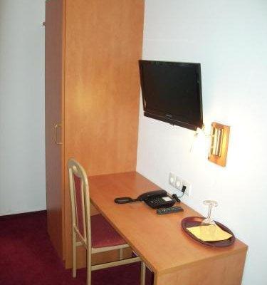 Hotel Bonn Voyage - фото 6