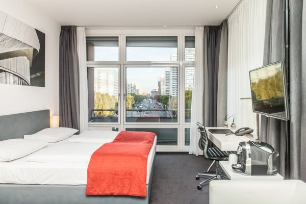 Novum Select Hotel Berlin Gendarmenmarkt - фото 1