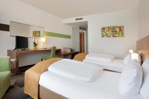 Holiday Inn Berlin City-East Landsberger Allee - фото 2