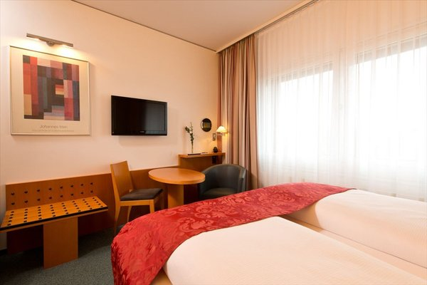Best Western Hotel am Borsigturm - фото 2