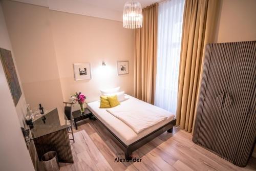 Hotel Alexander beim Kurfurstendamm - фото 12
