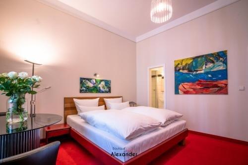 Hotel Alexander beim Kurfurstendamm - фото 4