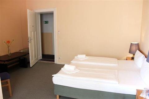 Hotel-Pension Rheingold am Kurfurstendamm - фото 1