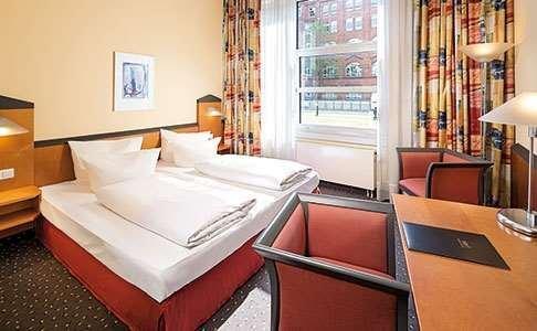 Victor's Residenz-Hotel Berlin Tegel - фото 6