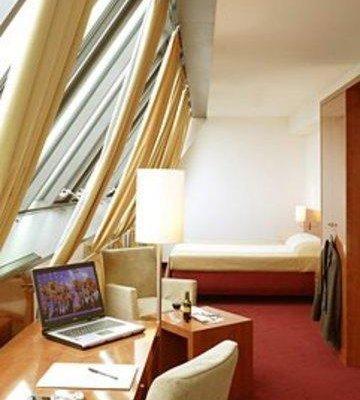 Angleterre Hotel - фото 2