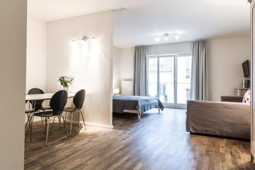 Schoenhouse Apartments - фото 2